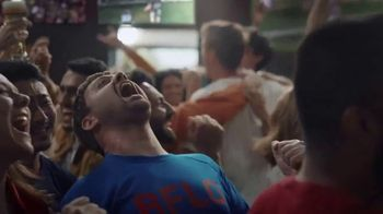 Buffalo Wild Wings TV Spot, 'Weddings: Wing It' Song by Sam Spence - Thumbnail 10