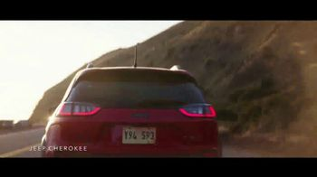Jeep Labor Day Sales Event TV Spot, 'The Freedom to Do It All' Song by Jeremy Renner [T2] - Thumbnail 2