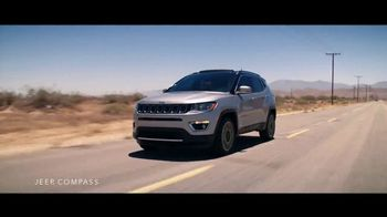 Jeep Labor Day Sales Event TV Spot, 'The Freedom to Do It All' Song by Jeremy Renner [T2] - Thumbnail 5