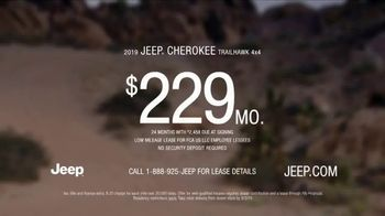 Jeep Labor Day Sales Event TV Spot, 'The Freedom to Do It All' Song by Jeremy Renner [T2] - Thumbnail 7