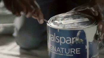 Lowe's TV Spot, 'Valspar: The Right Stuff in Every Can' - Thumbnail 2