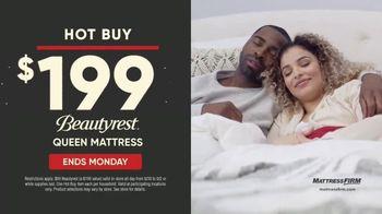Mattress Firm Labor Day Sale TV Spot, 'Queen for Price of a King & Hot Buy: Beautyrest Mattress' - Thumbnail 8