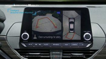 Nissan TV Spot, 'Heisman House: Parking Spot' Featuring Marcus Mariota & Kyler Murray [T1] - Thumbnail 4