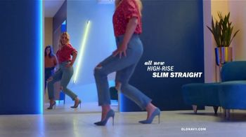 Old Navy High-Rise Slim Straight Jeans TV Spot, 'Reunion: 50% Off' Featuring Busy Philipps - Thumbnail 3