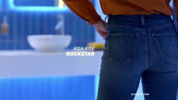 Old Navy High-Rise Slim Straight Jeans TV Spot, 'Reunion: 50 Percent Off' Featuring Busy Philipps - Thumbnail 7