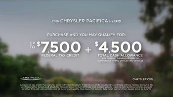 Chrysler Labor Day Sales Event TV Spot, 'Talking Van: Bad Parents' Song by Kelis [T2] - Thumbnail 8