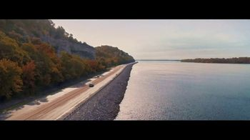 Illinois Office of Tourism TV Spot, 'Amazing: Fall Colors' - Thumbnail 1