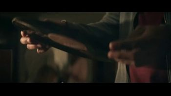 Miller Lite TV Spot, 'Vinyl' Song by Lee Fields & The Expressions - Thumbnail 4
