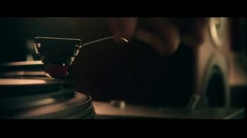 Miller Lite TV Spot, 'Vinyl' Song by Lee Fields & The Expressions - Thumbnail 5