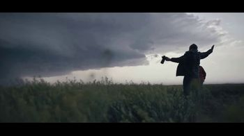 Chevrolet Silverado TV Spot, 'Storm Chasers' [T1] - Thumbnail 10
