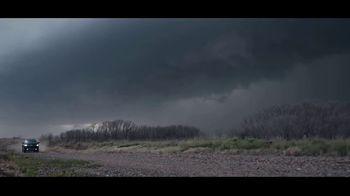 Chevrolet Silverado TV Spot, 'Storm Chasers' [T1] - Thumbnail 2