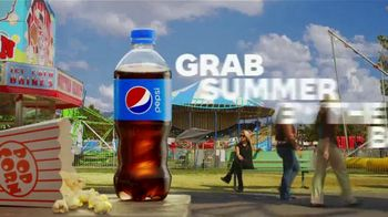Pepsi TV Spot, 'Summergram: Stop. Drop. Roller Coaster' - Thumbnail 9