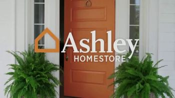 Ashley HomeStore Stars & Stripes Mattress Event TV Spot, 'Extended: Sealy Adjustable Sets' - Thumbnail 1