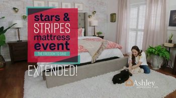 Ashley HomeStore Stars & Stripes Mattress Event TV Spot, 'Extended: Sealy Adjustable Sets' - Thumbnail 3