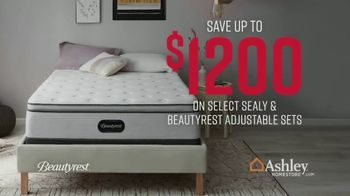 Ashley HomeStore Stars & Stripes Mattress Event TV Spot, 'Extended: Sealy Adjustable Sets' - Thumbnail 5