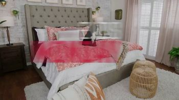 Ashley HomeStore Stars & Stripes Mattress Event TV Spot, 'Extended: Sealy Adjustable Sets' - Thumbnail 7