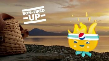 Pepsi TV Spot, 'Summergram: Bon-Fired Up' - Thumbnail 4