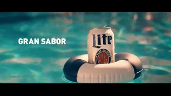 Miller Lite TV Spot, 'Alberca: cero azúcar' [Spanish] - Thumbnail 3