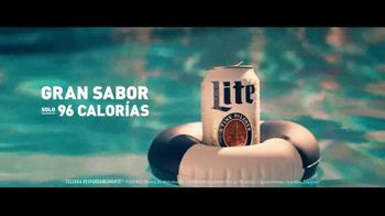 Miller Lite TV Spot, 'Alberca: cero azúcar' [Spanish] - Thumbnail 4