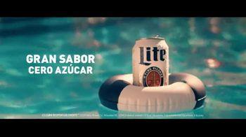 Miller Lite TV Spot, 'Alberca: cero azúcar' [Spanish] - Thumbnail 5