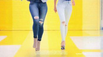 Old Navy TV Spot, 'Entona tu look de verano: Flip Flops' canción de Kaskade [Spanish] - Thumbnail 7