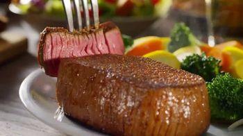 Outback Steakhouse Aussie Steakhouse Dinner TV Spot, 'How to Enjoy Dinner' - Thumbnail 5