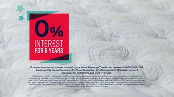 Ashley HomeStore Stars & Stripes Mattress Event TV Spot, 'Beautyrest Adjustable Sets' - Thumbnail 5