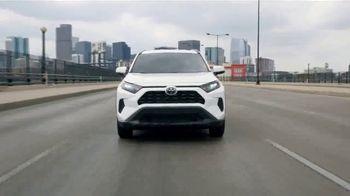 Toyota Summer Savings Event TV Spot, 'Best Things of Summer: 2019 RAV4' [T2] - Thumbnail 4