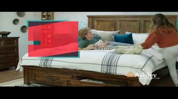 Ashley HomeStore Stars & Stripes Event TV Spot, 'Extended: Dining Table' Song by Midnight Riot - Thumbnail 2