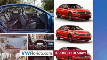 Volkswagen Labor Day Deals TV Spot, '2019 Jetta & Tiguan' [T2] - Thumbnail 3