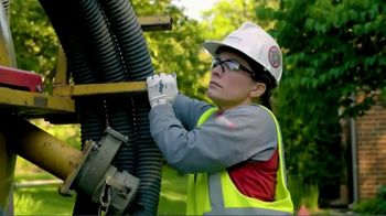 International Brotherhood of Electrical Workers TV Spot, 'Choose the Right Path'