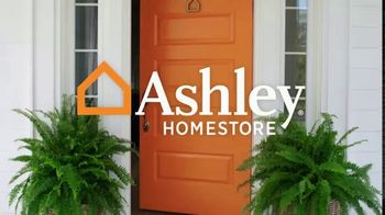 Ashley HomeStore Labor Day Mattress Sale TV Spot, 'Final Days: Adjustable Sets' - Thumbnail 1