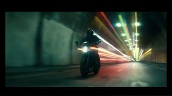 Harley-Davidson Electric Livewire TV Spot, 'Night Ride' Song by The Struts - Thumbnail 6