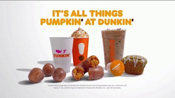 Dunkin' Cinnamon Sugar Pumpkin Signature Latte TV Spot, 'Carver' - Thumbnail 10