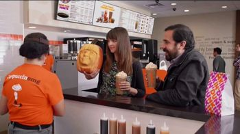 Dunkin' Cinnamon Sugar Pumpkin Signature Latte TV Spot, 'Carver' - Thumbnail 7