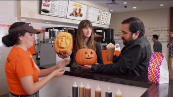 Dunkin' Cinnamon Sugar Pumpkin Signature Latte TV Spot, 'Carver' - Thumbnail 8