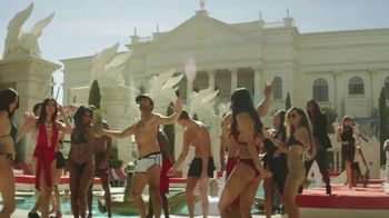 Caesars Palace Semi Annual Sale TV Spot, 'Stay, Dine & Play Like A Caesar' - Thumbnail 5