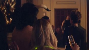 Caesars Palace Semi Annual Sale TV Spot, 'Stay, Dine & Play Like A Caesar' - Thumbnail 7