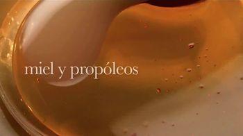 Garnier Whole Blends Honey Treasures TV Spot, 'Nutre y repara' [Spanish] - Thumbnail 2