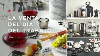 Macy's Venta del Día del Trabajo TV Spot, 'Mezcladoras, sábanas y equipaje' [Spanish] - Thumbnail 1