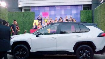 Toyota RAV4 TV Spot, 'Telemundo: Latin American Music Awards' con Silvestre Dangond [Spanish] [T1] - Thumbnail 10