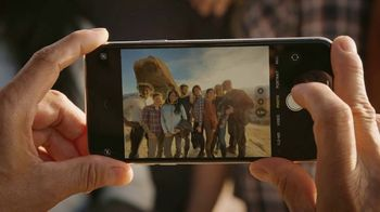 T-Mobile TV Spot, 'Signal: iPhone 11' Song by Aerosmith - Thumbnail 3