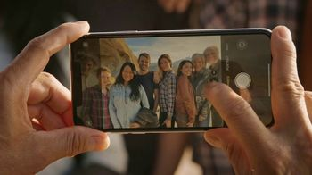 T-Mobile Unlimited TV Spot, 'Signal: iPhone 11: $30 Per Line' Song by Aerosmith - Thumbnail 5