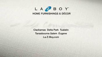 La-Z-Boy Super Saturday Sale TV Spot, 'Family Photo: 25 Percent' - Thumbnail 6
