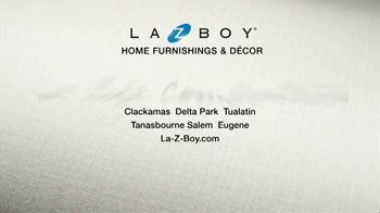 La-Z-Boy Super Saturday Sale TV Spot, 'Family Photo: 25%' - Thumbnail 6