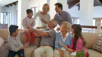 La-Z-Boy Super Saturday Sale TV Spot, 'Family Photo: 25%' - Thumbnail 2