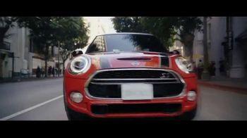 MINI USA TV Spot, 'For the Drive' Song by DJ Shadow, De La Soul [T1] - Thumbnail 9