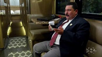 Hotels.com TV Spot, 'ABC: Bus Captain' Featuring Guillermo Rodriguez - Thumbnail 2