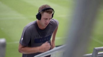 Bose Noise Cancelling Headphones 700 TV Spot, 'Heads Up Play: Carson Wentz' - Thumbnail 3