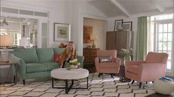 La-Z-Boy 36 Hour Sale TV Spot, 'Subtitles: 36 Percent' Featuring Kristen Bell - Thumbnail 6